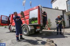 Vatrogasci tražili čizme, a dobili metlarice