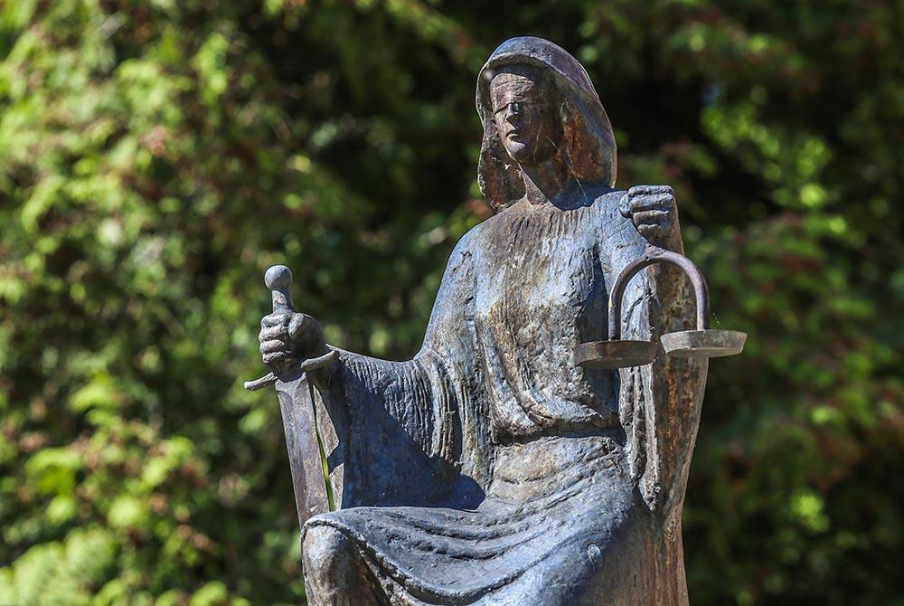 Justicija, boginja pravde, otkup zatvorske kazne