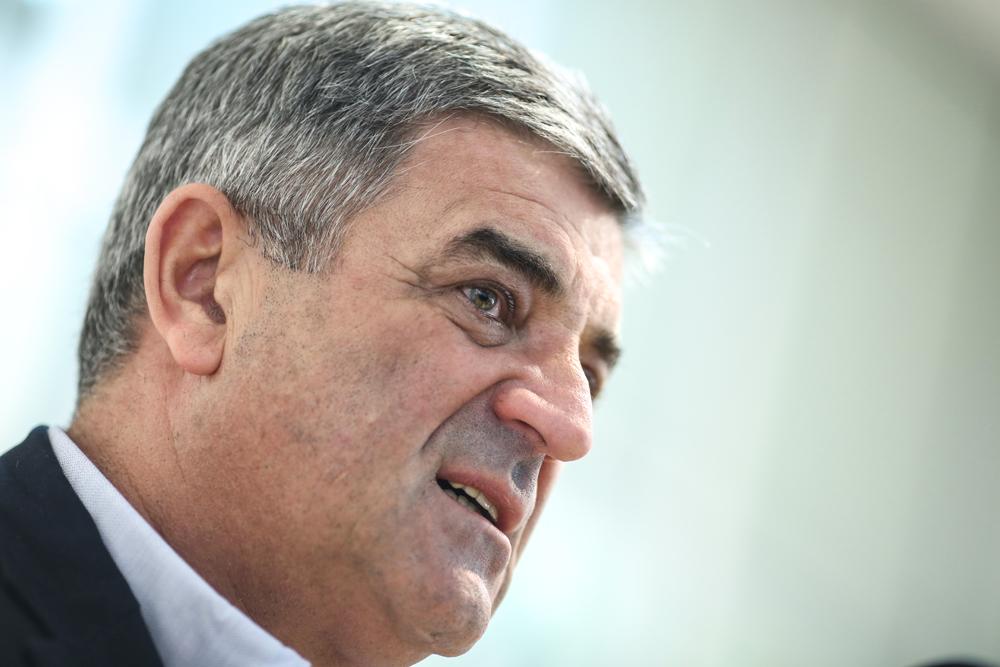"""Bivši načelnik sarajevske Općine Centar Nedžad Ajnadžić kaže da ima osigurano zaposlenje, ali je uprkos tome tražio da godinu dana prima """"bijeli hljeb"""" (Foto: CIN)"""